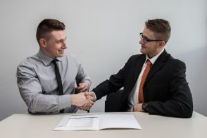 Sign a moving contract so as to stay sane when moving
