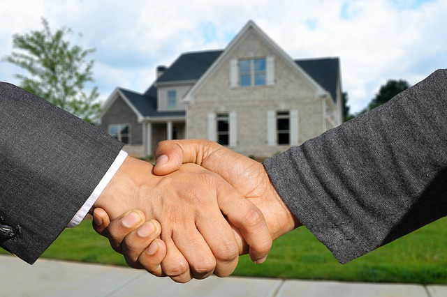 handshake with a realtor